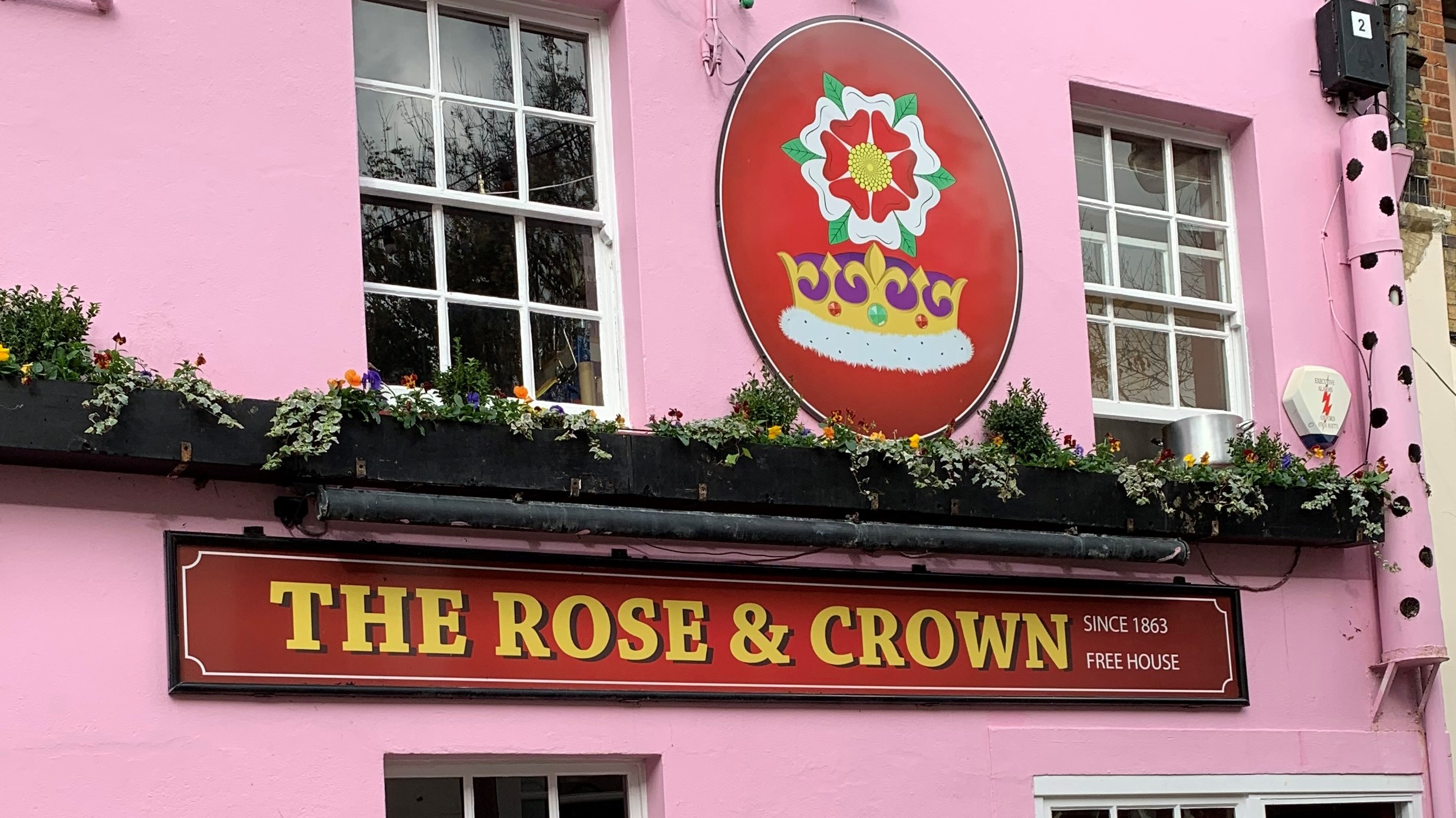 The Rose & Crown pub offering Oxford beer deliveries