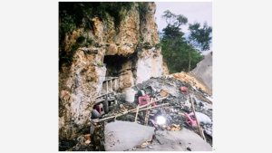Ruins of Xialinzhou Cave temple now