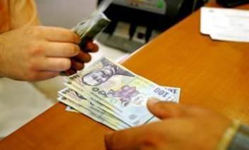 Minivacanţa de Sfânta Maria cu banii în cont. Bugetarii vor primi salariile în avans