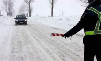 Lista drumurilor judetene inchise din cauza ninsorii!