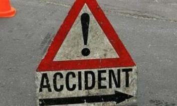 Un tânăr a lovit un cap de pod la Moţca şi s-a răsturnat