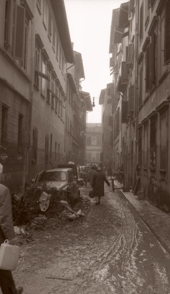 1966-11- Alluvione-Via della Pergola 8