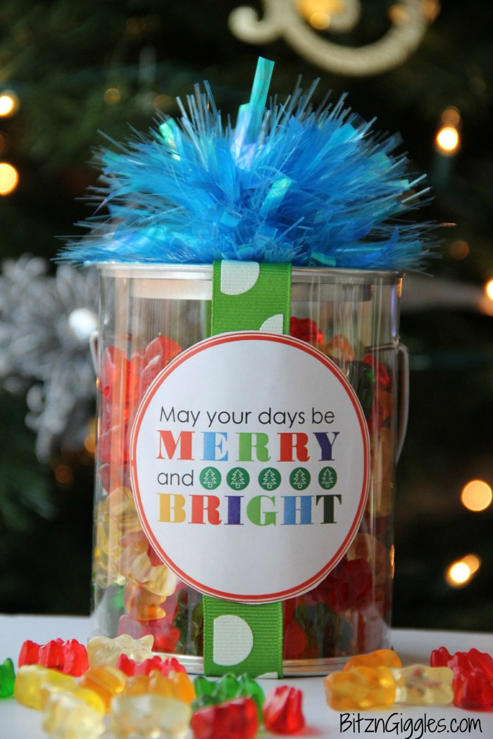 Merry and Bright Christmas Label - Free printable for dressing up your Christmas gifts!