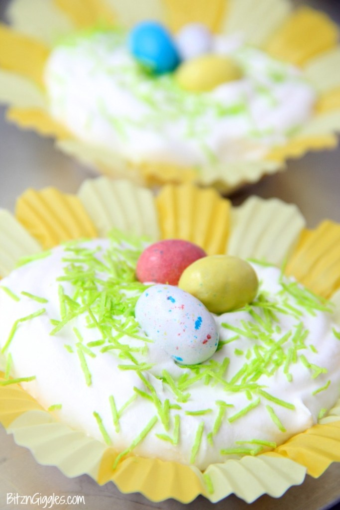 Vanilla Cheesecake Birds Nests - Mini vanilla cheesecake desserts with a wafer crust and creamy, dreamy filling. So light and delicious!