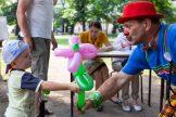 Zabawy-z-clownem-z-Grupy-Cyrkowej-MOK-Leszno-fot.Sylwia-Penc-1024x683
