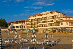 """Хотел """"Морско Конче"""" изграден върху дюните."""