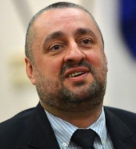 Ясен Тодоров, шеф на Етичната комисия във ВСС трябва да проверява записите, в които е уличен в груби нарушения на етиката на магистратите.