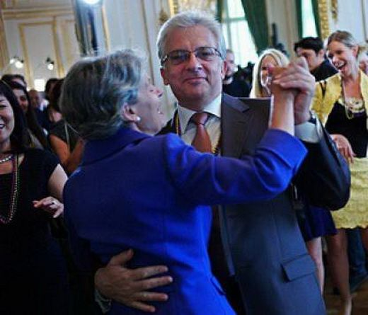 Daily Mail: Irina Bokova Gave Immunity to Businessman on Interpol 'Red List'