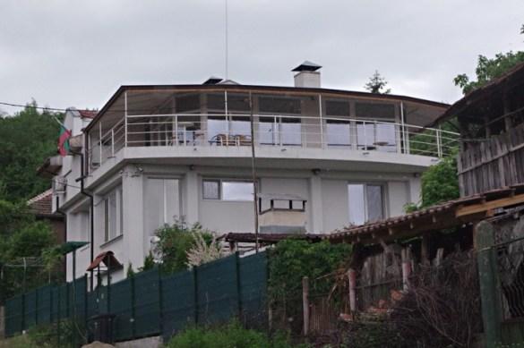 Къщи за тъщи:  Сестрата на еврокандидат на ДПС с къща за гости финансирана с 240 000 лв. от Европа