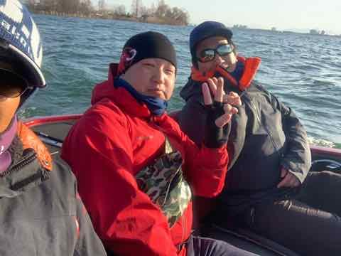 3月17日琵琶湖ガイドは15年ぶりにバス釣りのゲスト様に釣らせてくださいというご依頼で頑張りました!