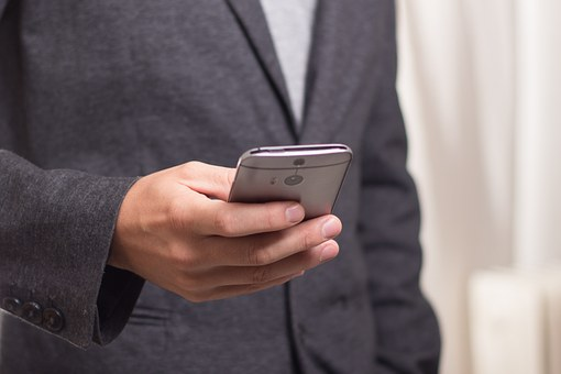Security Expert Warns about Using App that Emails Money