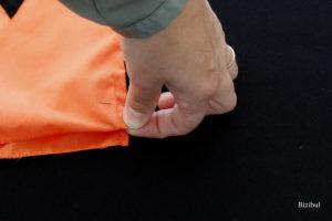 formation de la coulisse du sac : on plie une 1ère fois sur 1 cm