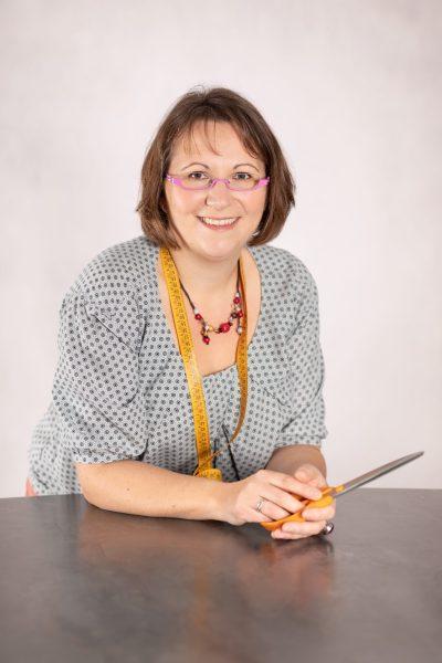 Fanny Forest, professeur de couture à l'école Bizibul de Nantes (44) et des cours de couture en ligne.
