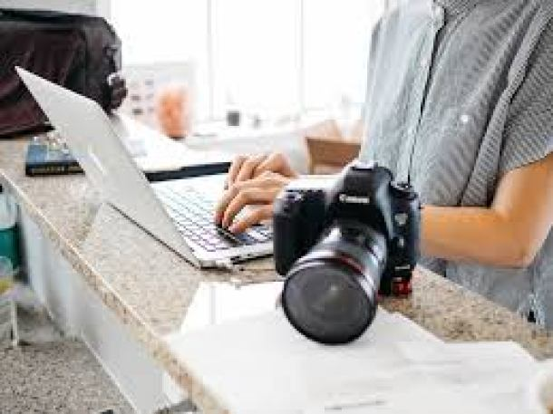 Photography business in Italy