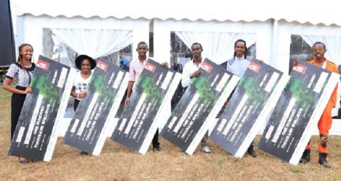 [From left] Phyllis Wanja, Joy Mbithe, Baraka Arunga, Collins Rutto, Eric Rotich and Joseph Kariuki each won Ksh 100,000 for their business ideas at the Blaze BYOB Eldoret summit 2017
