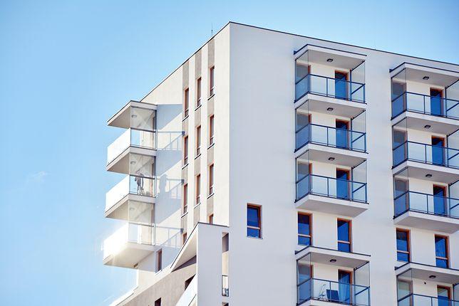 Nie tak łatwo o mieszkanie. Banki zaostrzają zasady przyznawania kredytów
