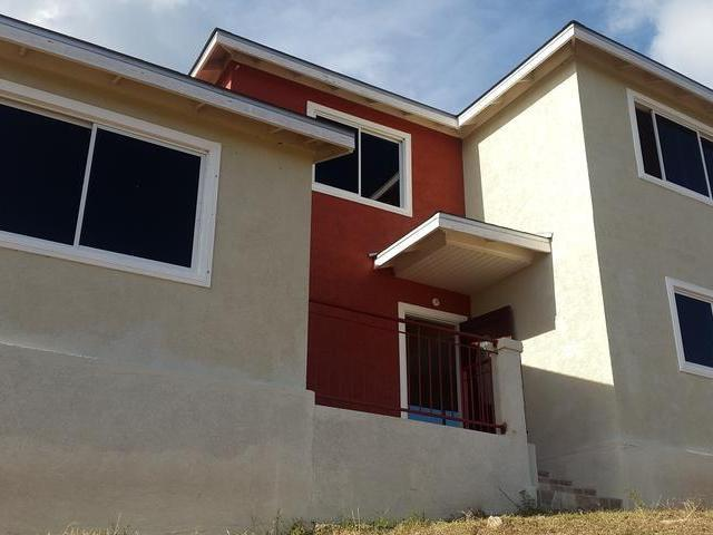 3 bedrooms and 2 baths home designed with an open concept for sale