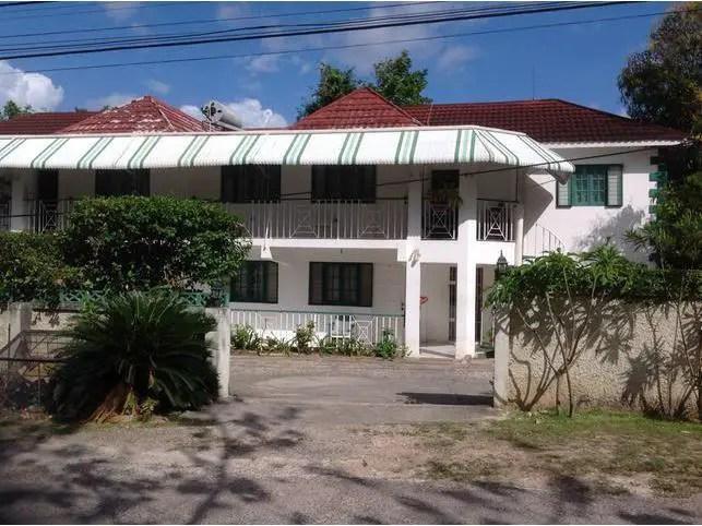 Furnished resort villa in Negril for sale