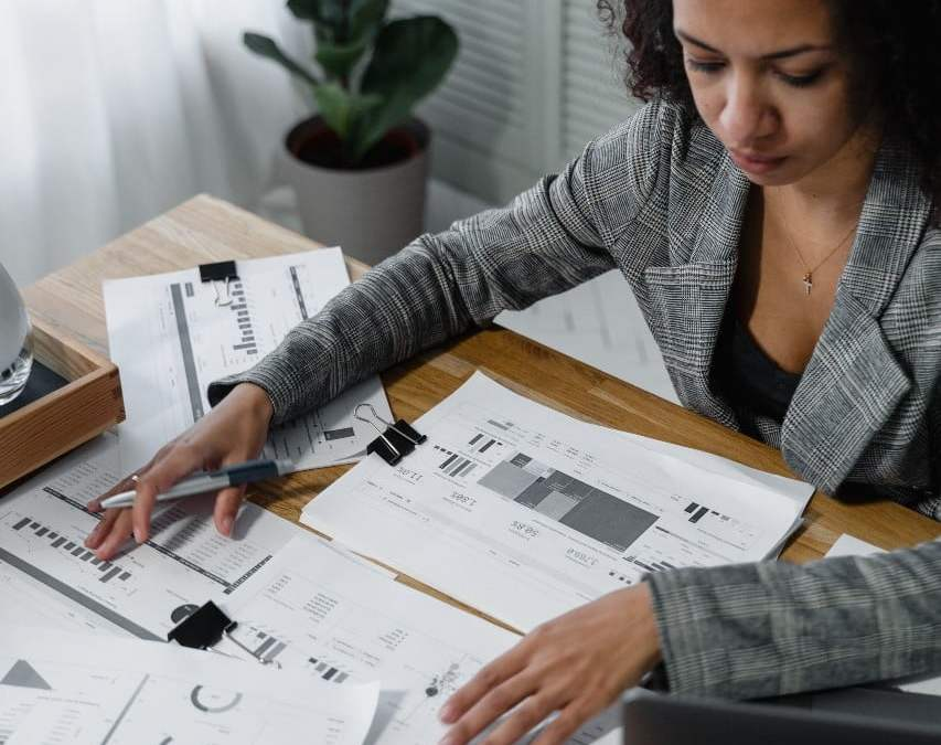 The Best Payroll Certifications to Advance Your Career