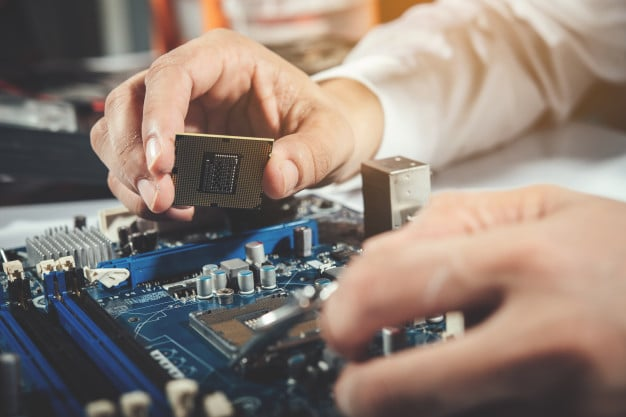 How to Start Career as a Computer Systems Technician