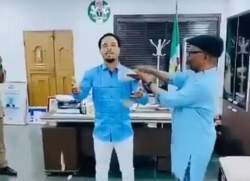 Nigerians React As Abia Gov's Chief Of Staff Sprays Money On Odumeje In His Office (Watch Video Here)