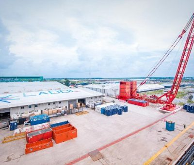 First Heavy Lift With Mammoet Terminal Crane In Nigeria