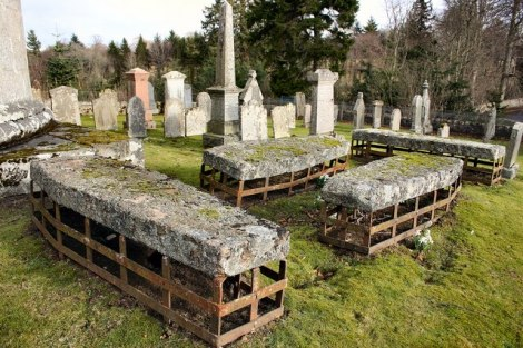 mortsafes_in_cluny_kirkyard_-_geograph-org-uk_-_174646