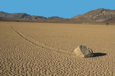 sailing-stones-death-valley-3[2]