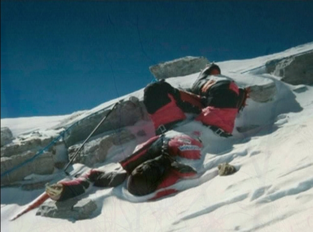 Dead-bodies-on-Mount-Everest_7
