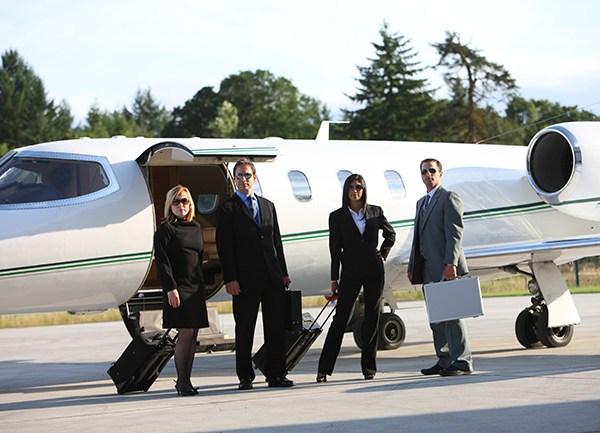 公务机在线-商务人士和他们商务飞机