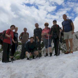 Neočakávene sme museli prekonať snehové pole!
