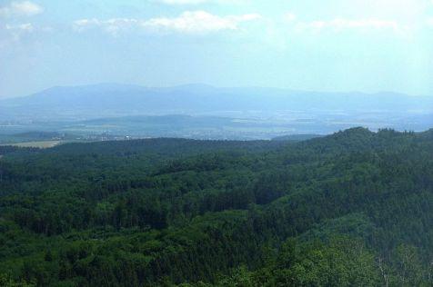 Pohľad smerom na SV na hrebeň Radhošťa. Pred dvoma týždňami, keď tam bol BJATEK, nevideli sme pre hmlu ani na 30 m :-(((