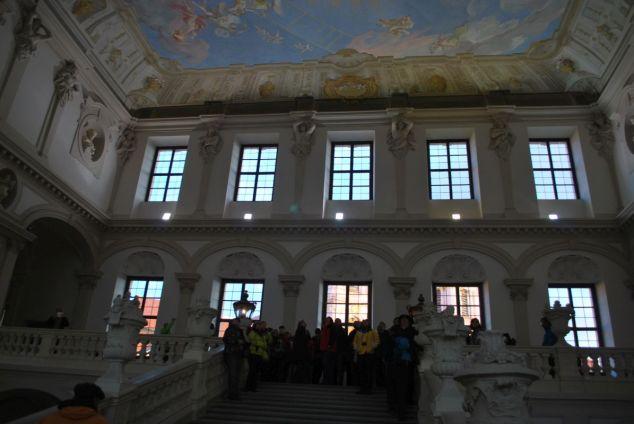 Po cisárskom schodisku sme sa dostali aj do knižnice a obrazární.