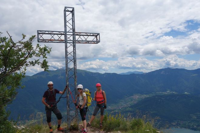 Vrchol kopca Monte Casale (1 632 m.n.m.)
