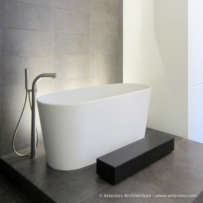 Minimal Bathroom Tub - Arteriors Architects - Tim Bjella