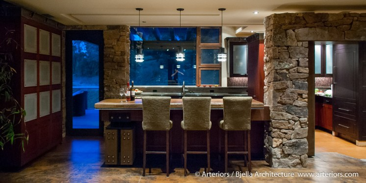 heavy-timber-mountain-lodge-kitchen-by-tim-bjella-of-arteriors-architects-8