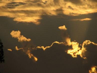 Skyen blandt andre skyer over Holbæk. Foto: Nikolaj Martini Hansted