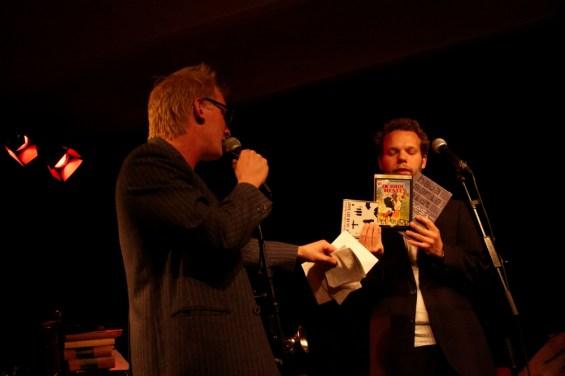 Frederik Bjerre Andersen og Jonathan Nielsen med aftenens præmier