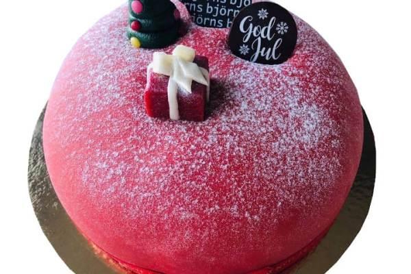 Julig Röd Prinsesstårta