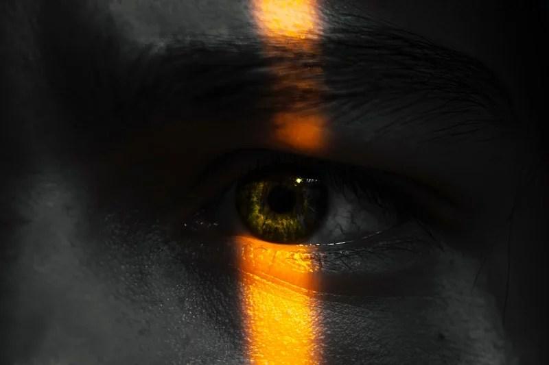 noise strange eyes