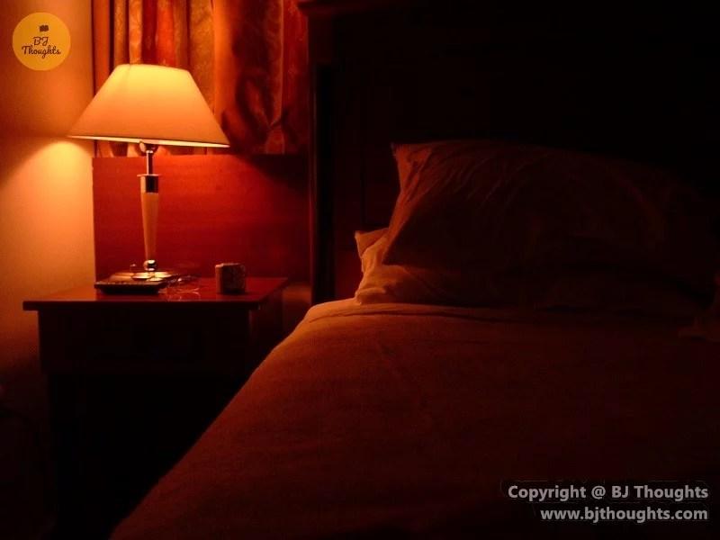 Kabul Hotel Orange Bed
