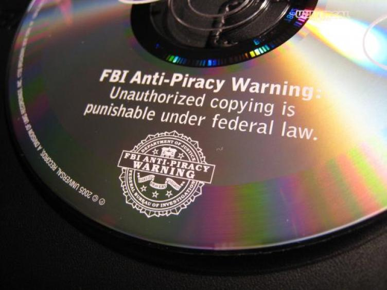 pirate DVD download illegal