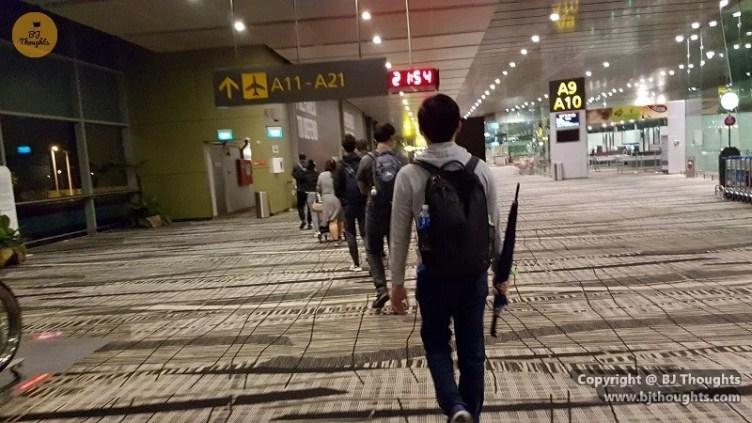 transit holding area changi singapore airport