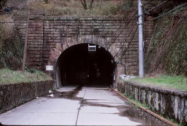 大阪最強危険心霊スポット③労働者が生き埋めに、旧生駒トンネル