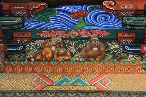 埼玉県秩父神社⑤見どころ:日光よりもちょっと俗っぽい「お元気三猿」