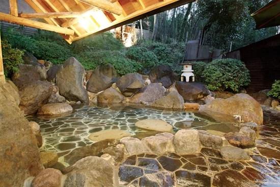 大分県の温泉ランキング③ゆの杜竹泉~住宅街を抜けたら山々に囲まれた温泉が~