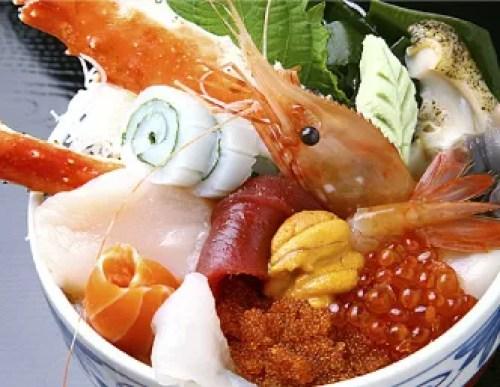 札幌海鮮丼ランキング⑦まさに大漁の大盛り海鮮丼「大漁寿し 若駒」