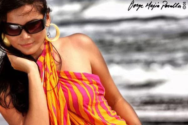 沖縄旅行の服装⑨ビーチでも街中でも使える!パレオ