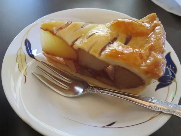 弘前名物グルメ⑦レトロな洋館!大正浪漫喫茶室のアップルパイ