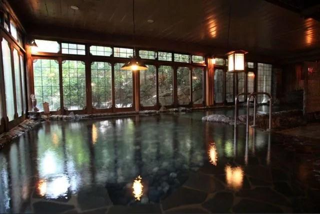 福岡県日帰り温泉ランキング④6千坪の敷地と日本庭園、150年の歴史ある老舗旅館「大丸別荘」